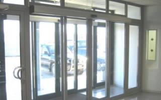 Разновидности входных алюминиевых дверей