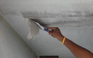 Как быстро снять краску с потолка