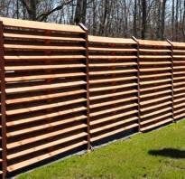 Порядок монтажа деревянного забора жалюзи