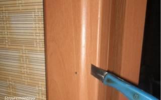 Как снять наличники с двери