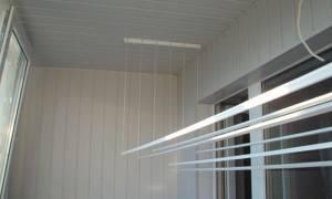 Крепление бельевой веревки на балконе