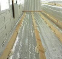 Материал на пол балкона