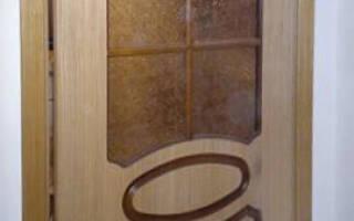 Установка стекла в дверь