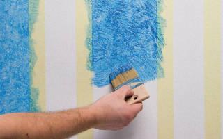 Как покрасить стены с обоями