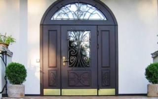 Как утеплить входную дверь в частном доме