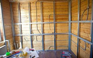 Обшиваем стены гипсокартоном в деревянном доме