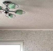 Оклейка потолка флизелиновыми обоями